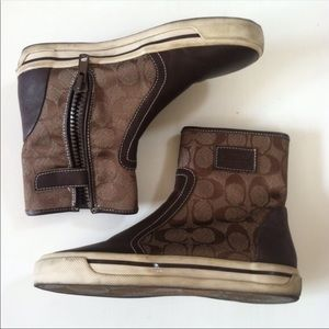 Classic coach booties